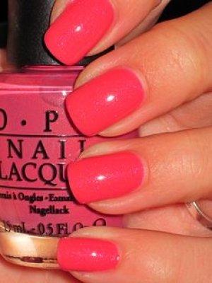 pink-nails-opi