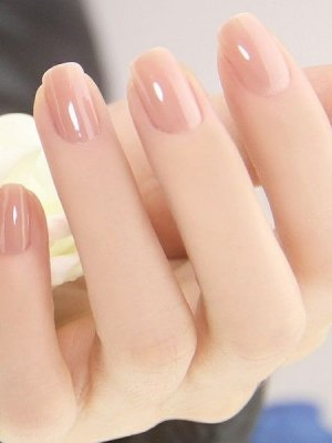 nude-nail-look