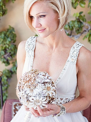 short-bobbed-wedding-hairstyle