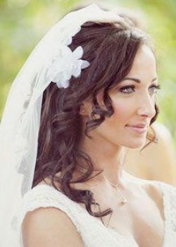 bridal-wedding-hair-salon-curly-brown